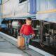 Предлагается установить бесплатный проезд в пригородных поездах для детей до семи лет